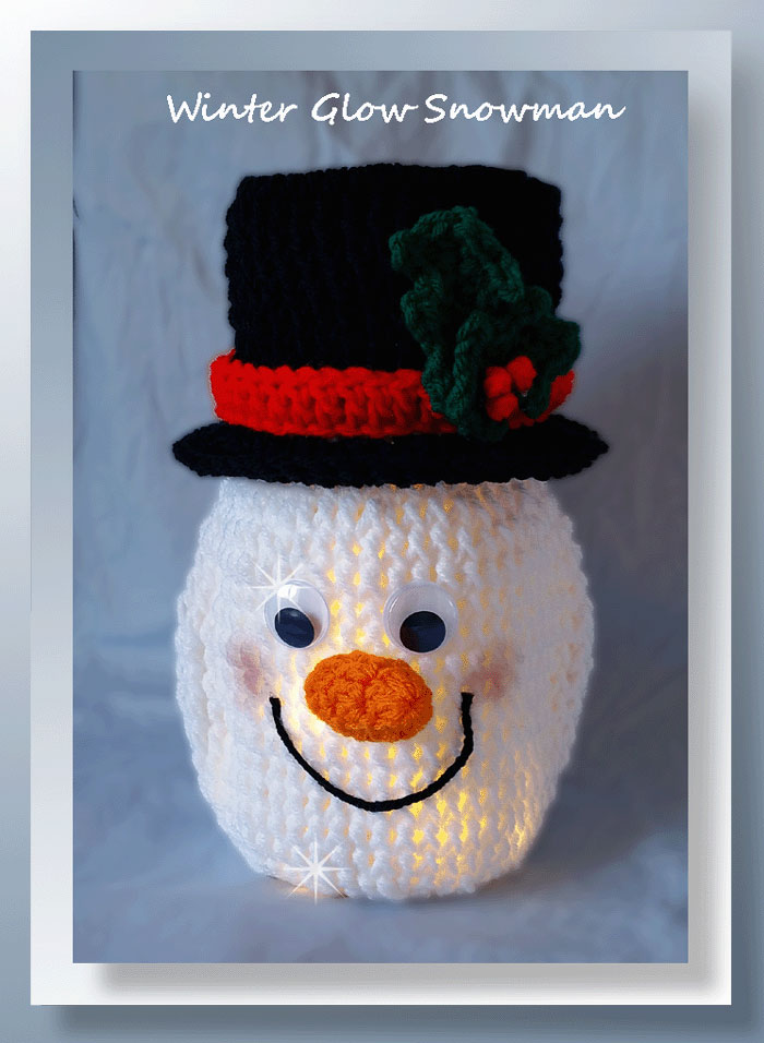 Winter Glow Snowman - free crochet Christmas snowman pattern - 2017 Holiday Blog Hop